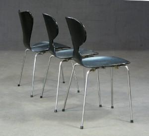 arne jacobsen konvolut aus 3 ameisen 39 3100 39 und ein stuhl. Black Bedroom Furniture Sets. Home Design Ideas