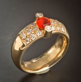 14 kt gold ring featuring 1 fire opal and brilliant-cut diamonds