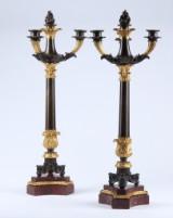 Et par franske empire kandelabre af delvist forgyldt bronze og rødbroget marmor, ca. 1820'erne (2)