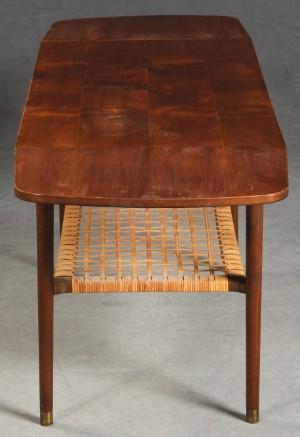 couchtisch sofatisch d nisches design diese ware steht erneut zur auktion unter der. Black Bedroom Furniture Sets. Home Design Ideas