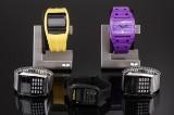 Fem Vestal armbåndsure af gummi, stål og akryl. (5)