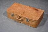 Sydamerikansk kuffert af præget læder