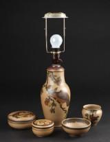 Hjorth, bordlampe, vase og lågskåle (5)
