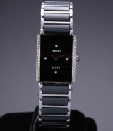 Rado 'DiaStar Jubilé'. Damearmbåndsur i keramik med sort skive og diamanter - boks + cert. 2000