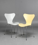 Arne Jacobsen, stolar 3107 'Sjuan', 2 st