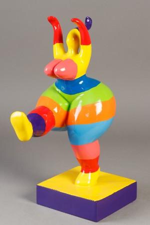 Ubekendt kunstner. Skulptur i komposit - Dk, Næstved, Gl. Holstedvej - Ubekendt kunstner. Stor skulptur i komposit materiale form af kvinde h. 38 cm - Dk, Næstved, Gl. Holstedvej