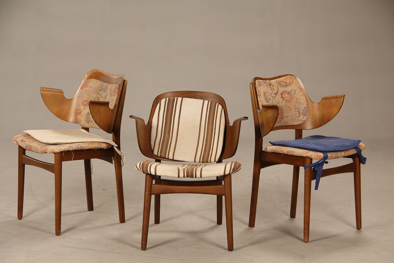 Hans Olsen. Tre stole, model 107 (3) |