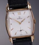 Vintage Omega 'Tank' men's watch, unusual 14 kt. gold case, c. 1944