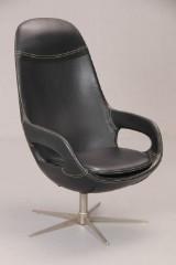BoConcept. Lænestol  model Smart Ville, stål og sort  læder.