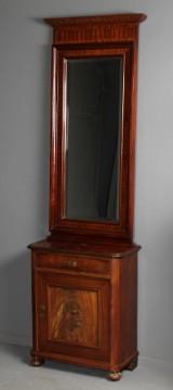 Lille entreskab af mahogni samt facetslebent spejl, 1900-tallet (2)