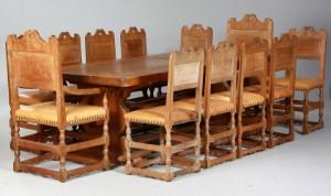 Stort rustikt plankebord samt 12 stole, egetræ (13) Denne vare er ...