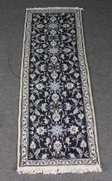 Persisk Nain tæppe, uld på bomuld, 245 x 77 cm.