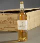12 fl. Château Lafaurie-Peyraguey, Sauternes 2001. (12)