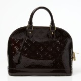 Louis Vuitton handväska Alma PM i färgen amarante