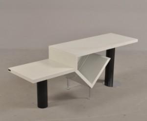 k b og s lg moderne klassiske og antikke m bler bang olufsen tv m bel hvidlamineret tr. Black Bedroom Furniture Sets. Home Design Ideas