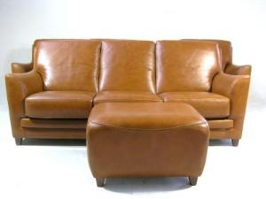 Sitzgruppe Sessel Hocker 2er Sofa 3er Sofa Kalbsleder Cognac