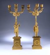 Paar französische Spätempire Kandelaber aus vergoldeter Bronze, ca 1820 (2)