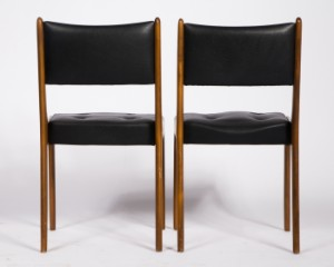 tisch mit vier st hlen holz 5. Black Bedroom Furniture Sets. Home Design Ideas