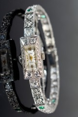 Vintage wristwatch with diamonds and emeralds