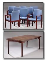 Dansk møbelproducent. Spisebord af mahogni og bejdset bøg samt 8 armstole af mahognibejdset bøg (9)