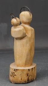 Skulptur af udskåret stamme