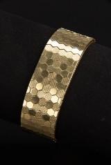 Bredt bikubemønstret armbånd af 14 kt. guld