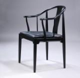 Hans J. Wegner. 'Den kinesiske stol' / 'Kinastolen', sortlakeret