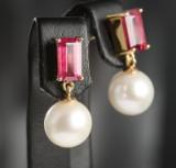Ørestikker af guld med perler og rubiner, par ( 2 )