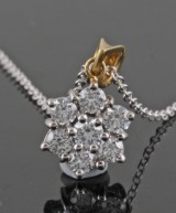 Diamond pendant in 18kt with chain and 0.55 ct