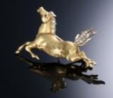 Diamantbrosche aus 18 kt. satiniertem Gelbgold in Form von Pferd. London 1987