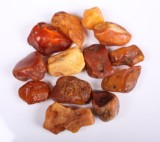 Danish pieces of amber, approx. 623 grams (14)