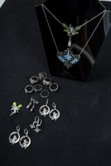 Konvolut Schmuck 925 Sterling Silber, 4 Paar Ohrringe, 7 Ringe, 2 Colliers, 1 Brosche Elfe (14)
