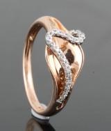 Diamond ring in bicolour gold