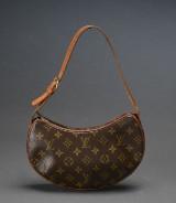 Louis Vuitton. Skuldertaske model Pochette Croissant