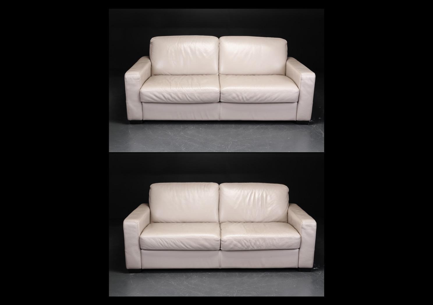 Italsofa. Par sofaer, sandfarvet læder - Italsofa. Par sofaer, sandfarvet læder. Faste hynder i sæde og ryg. L. 195, Sh. 43 cm. Fremstår med brugsspor i form af jævnt patineret læder