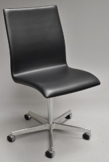 Arne Jacobsen. Oxford office chair, model 3191, Red Label - 2008