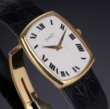 Piaget 'Classic' men's watch, 18 kt. gold, original strap and clasp, 1980's