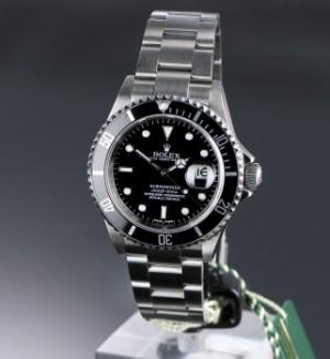 975c6cd0bd9 Rolex 'Submariner'. Herreur i stål med sort skive med dato - boks + ...