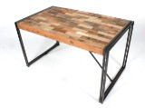 Iron Line spisebord. Rustikt design.