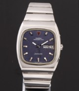 Omega Seamaster Megequartz. Vintage men's watch, steel, with day and date, c. 1972