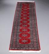 Persisk Bochara, løber, 272 x 80 cm.