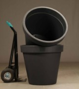 To store grå havekrukker i slagfast plast med UV sikring (2)