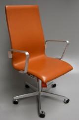 Arne Jacobsen. Oxford kontorstol - Red Label, Model 3273 - medium-high with accompanying ID card