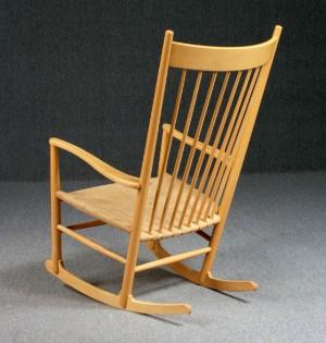 Hans J. Wegner. Gyngestol, model J16 Denne auktion er annulleret - se nu vare #1275536 | Lauritz.com