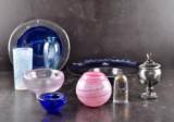 Parti glas; vaser, skålar mm. Kosta Boda, Lindshammar, Pukeberg, Skruf, Kosta samt Kolovski mm (9)