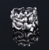 Ole Lynggaard. 'Troldering', satin-finish 18 kt. white gold with 3 diamonds