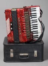 Harmonika, Delicia Arnaldo III, I kuffert