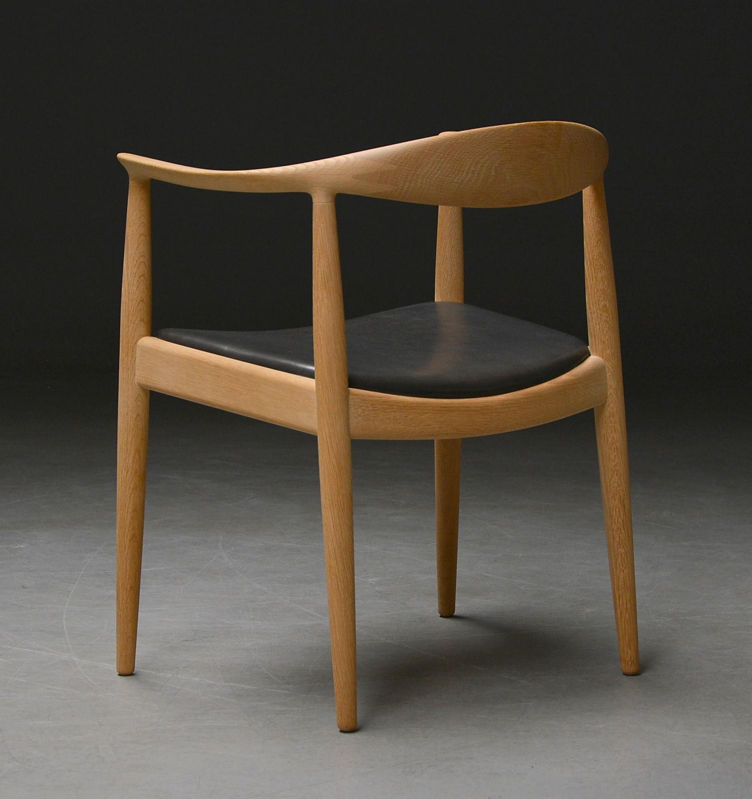 Hans. J. Wegner. Armstol, 'The chair' 'Den runde stol