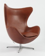 Arne Jacobsen. The Egg. Loung chair, bi-coloured leather