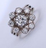A French vintage diamond rosette ring, 18 kt. gold and white gold, total approx. 1.50 ct. Mid-20th century